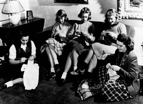 American College Students Knitting Garments for Armed Forces